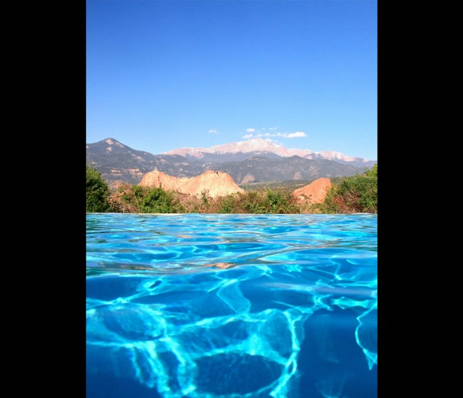 Pikes Peak: Infinity pool at the Garden of the Gods Club.