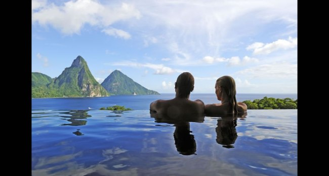ade Mountain Resort (Jade Mountain) – rises majestically on the island of St. Lucia in the eastern Caribbean Sea.""